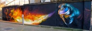 Irony incendia Londres. El artista urbano Irony se supera a si mismo.