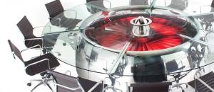 Impresionante diseño el de esta mesa de reuniones realizada con piezas de un 747