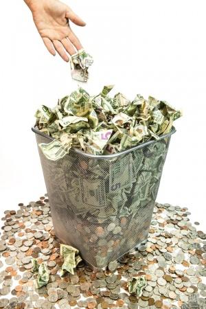 tirar el dinero con la web